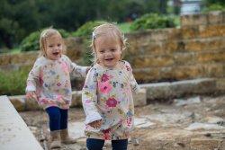 ubrania dla małych dziewczynek